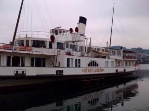 Das Schiff, nicht die Stadt